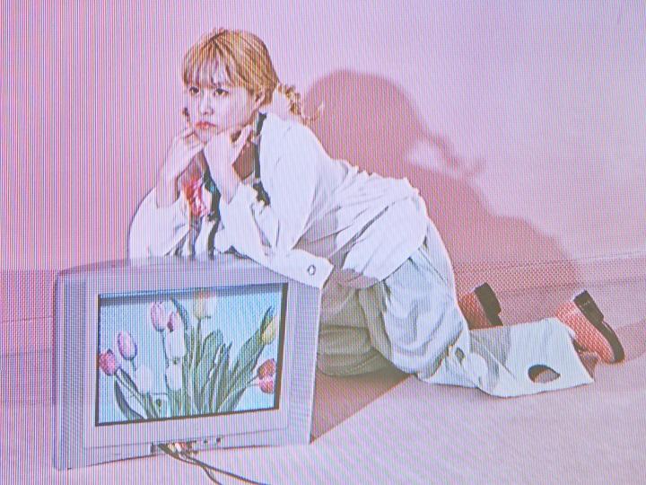 注目のシンガーソングライター・さとうもかがBreakthroughに初ピックアップ!最新シングル「Love Buds」に込めた想いと彼女の素顔、意外な一面も公開